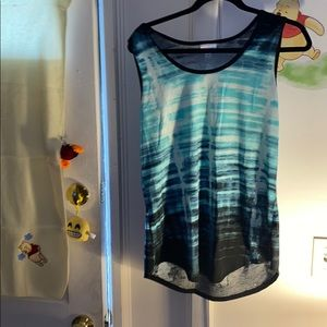 Lula Roe tank top like  new no pilling or stains